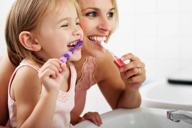 Miért fontos a kezdettől a fogak ápolása?
